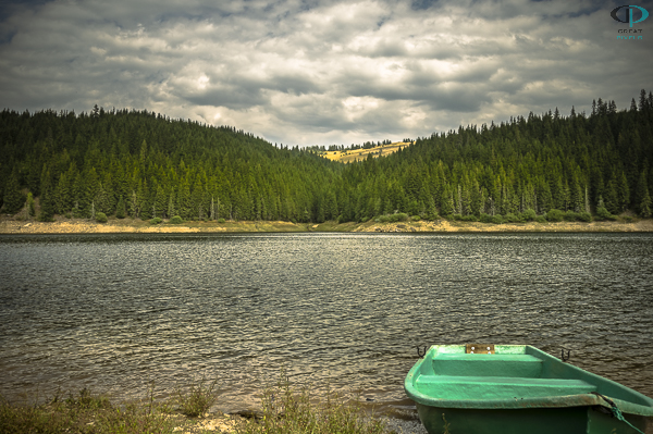 Boat on Belis-Fantanele lake